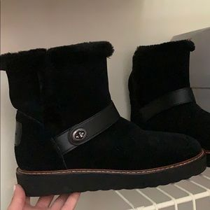 Coach fur boot